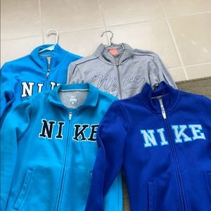 4 Nike zip up all 4 for $20
